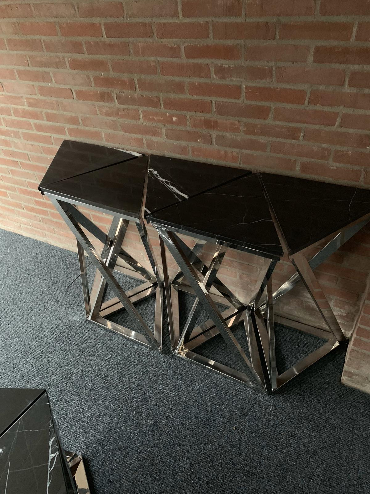 Sidetable triangle